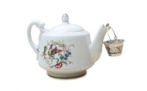 Cleaning Teapot with denture tablet